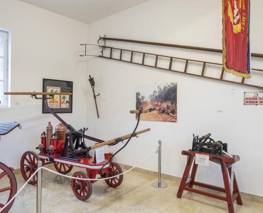 Ljestve kukače i ostala vatrogasna oprema